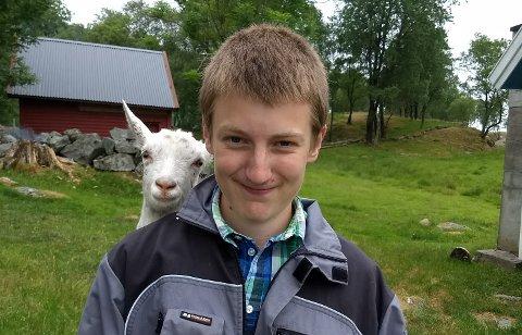 BLEI MINNA: Strand videregående skole hadde minnestund for Knut Øygard Dale, som gjekk andre året på skulen, i dag.
