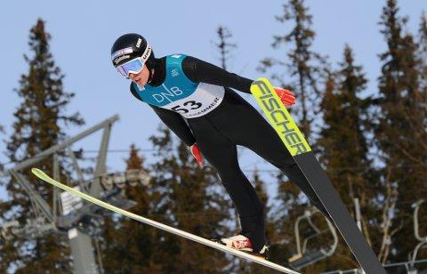 GOD HOPPING: Jonas Viken hentet frem sitt beste og ble belønnet med gode lengder og poengsummer under norgesmesterskapet i hopp.