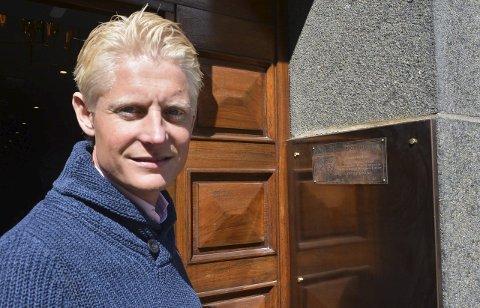 Christoffer Jonstang i Bjarøy eiendom forteller at de jobbet for å få fylt opp de ledige periodene på Wilhelmsen House for koronakrisen kom. Nå må de bare holde det hele i gang. – Jeg er ved godt mot, sier Jonstang.