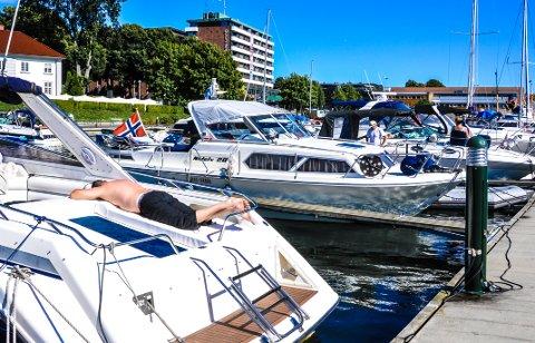 STENGT: Gjestehavna i Tønsberg får ikke ta imot båtfolket i påsken.