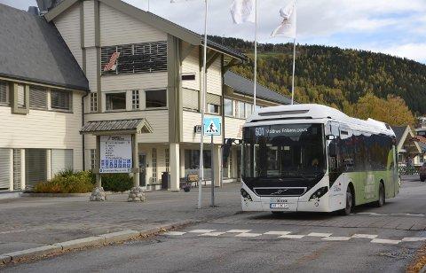 Bybussen: Det er Trønderbilene AS som kjører bybussen melom Fagernes og Leira.