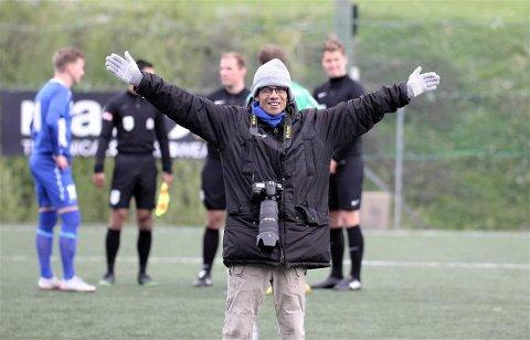 """Bergen: Trond Gausemel er en populær kar i Bergen, der han reiser rundt på """"alle"""" fotballkamper og gjør intervjuer. Dette legger han ut på Hordalandsfotball på Facebook."""