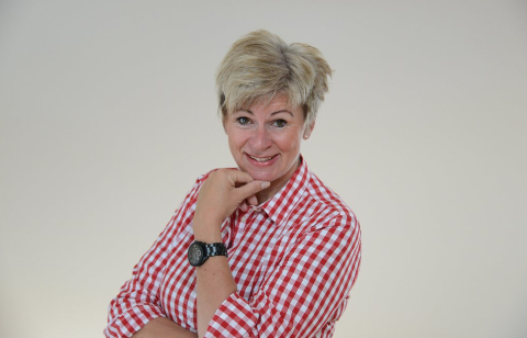 Anja Drangsholt, journalist i Varingen