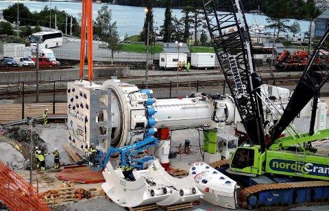 Tunnelboremaskinen som skal ete seg gjennom Ulriken. TBM, Arna - Bergen, Jernbaneverket, dobbeltspor
