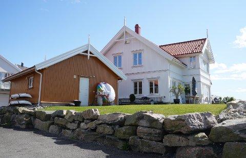 Bryggeveien 16 (Gnr 54, bnr 46) er solgt for kr 19.000.000 fra Thomas Fredrik Olsen til Knut Håvard Helle og Marianne Helle (12.07.2021)