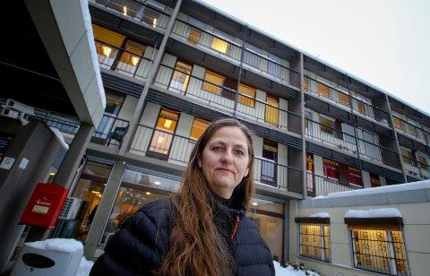 KRISE: Anita Talåsen Granli er bekymret over antallet jordmødre som sier opp ved Østfold Sykehus.