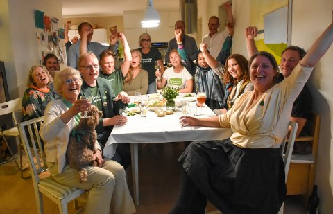 HJEMME HOS: Miljøpartiet De Grønne i Son er det fullt hus og full jubel for årets valg.