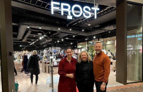 SUKSESS-ÅPNING: Torsdag åpnet Rikke Lolk Norvik (til venstre), Anna og Frank Norvik en ny Frost-butikk. Denne gang i Trondheim. Og åpningsdagene har omsetningsmessig vært knallbra.