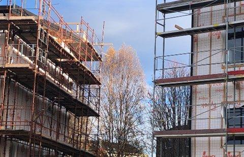 ILLUSTRASJONSFOTO: Byggeaktiviteten, både når det gjelder leiligheter og eneboliger, er stor i Tynset. Tall fra Huseierne viser og at det er den kommunen i Fjellregionen hvor bokostnadene er høyest.