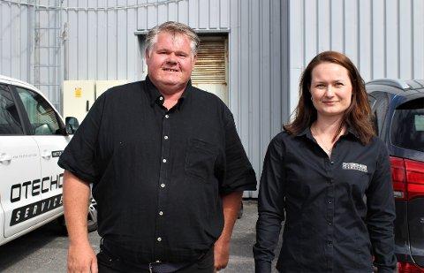 Tom Erik Bråtane og Camilla Naume i Otecho Services AS satser stort på videre utvikling av både ansatte og produksjonen.