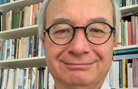 Professor Arnoldo Frigessi og teamet bruker komplekse algoritmer for å forstå koronasituasjonen i Norge.