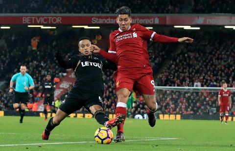 Roberto Firmino (t.h.) og Liverpool, her fra overkjørselen av Swansea 2. juledag, er elleville når de har dagen. Vi sier at det skjer igjen mot Burnley mandag!