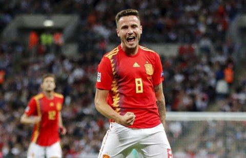 Spanias Saul Niguez jubler etter å ha utlignet for Spania mot England på Wembley lørdag kveld. Foto: Frank Augstein (AP)  (AP Photo/Frank Augstein)