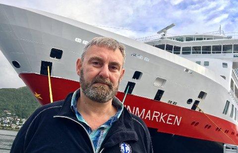 USIKKERHET: - Det er stor usikkerhet ute i flåten. Vi har vært forsiktig med å spre bekymringer, men vi har flere bekymringer i tilknytning til dette, sier Jørn H. Lorentzen til Nord24.no. Her foran MS «Finnmarken» som skal bli  MS «Otto Sverdrup». Foto: Linda Vaeng Sæbbe