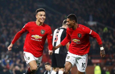 Manchester United's Mason Greenwood og Marcus Rashford kan lage problemer for City-forsvaret med farten sin. (Martin Rickett/PA via AP)