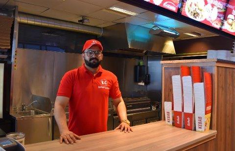 NYTT SPISESTED: Langs Falkenstenveien på Apenes har Abid Ali åpnet Kebab City i Tastys gamle lokaler.