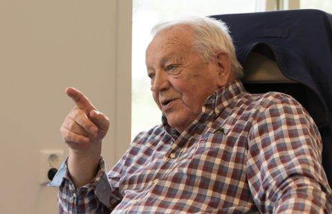 INVESTOREN: Arne Stang (71) investerer i eigedom i Førde og Oslo, bergsikring i Stongfjorden, og han er framleis engasjert i fisk. Han har tru på framtida, trass store minustal i fjor.