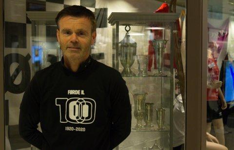 LETTA OG GLAD: Arne Helgheim i Førde idrettslag fekk den avgjerda han håpte på.