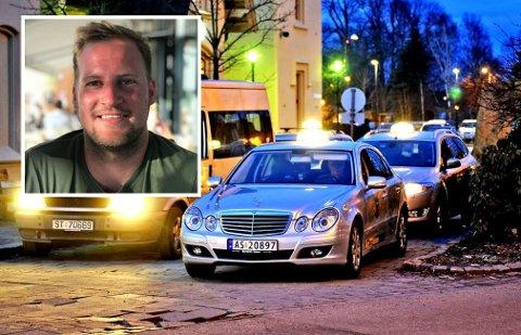 Oppgitt: Cornelius Schmith (23) mener taxisjåføren krevde 250 kroner for å gi tilbake telefonen som var gjenglemt i bilen. Taxisjåføren har på sin side en annen versjon av saken. PS: Taxibildet er fra en annen sak, og har ingenting med hendelsen å gjøre.