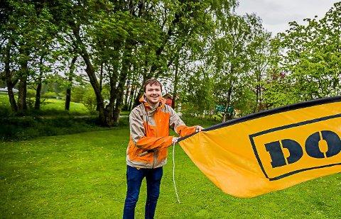 STILLER UT: Den Hvaler-baserte fotografen Adrian Øhrn Johansen er de neste fem månedene en del av en fotoutstilling på Henie Onstad Kunstsenter i Bærum.