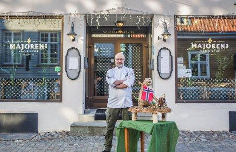 Jubileum: I år er det 30-årsjubileum for Majoren og Markus Nagele. Han skal by på bever til akevittlørdagen om et par uker. Utmerkelse blir det også, fra NAV (Norges Akevittens Venner).