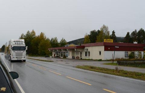SOLGT: Næringsbygget like ved fylkesveg 206 på Kjellmyra er nå solgt.