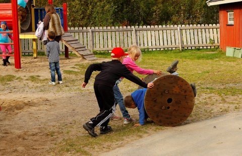 FÅR EGEN SPESIALPEDAGOG: Nå skal  hver enkelt barnehage i Kongsvinger - både private og kommunale -  få en egen spesialpedagog, i stedet for et tilbud gjennom en felles kommunal ordning.  Barnehagebarna på bildet har ingen direkte tilknytning til innholdet i saken. ILLUSTRASJONSFOTO