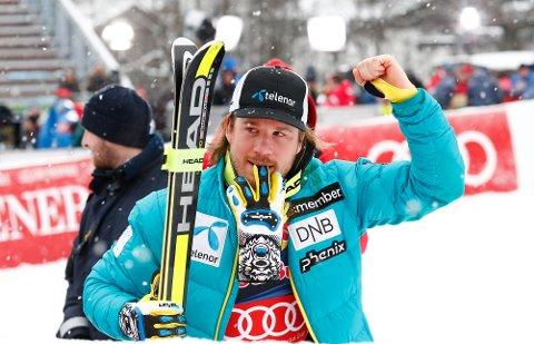 Kjetil Jansrud etter å ha vunnet utforrennet i Kitzbühel i 2015.