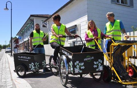 MILJØPATRULJEN: Fra venstre: Øyvind Sogn, Kjersti Larsson, Mela Tanem og Jan Ivar Borge er klare for å rydde Jevnaker for søppel.