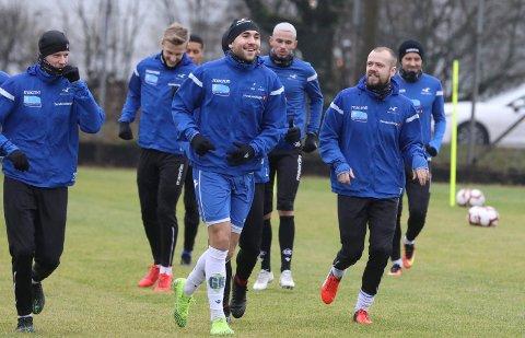 SMÅ GRUPPER: Fra onsdag av kan FKH-spillerne trene sammen igjen, maks fem spillere av gangen.
