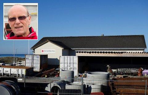 SKAL SELGES: Huset som Karmøy Røde Kors eier og disponerer like ved Åkrasanden, vil bli lagt ut for salg når en omregulering av området er unnagjort.