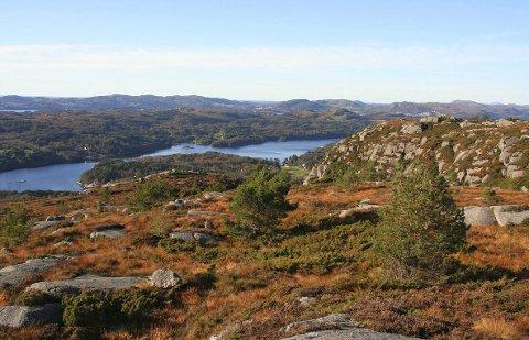 Slettafjellet: Fra Slettafjellet mot Førland i Tysvær.  Foto: Lars Kr. Gjerde