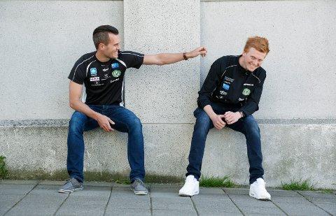 STERKE SAKER: Mats Hauge (t.h.) sammen med trener Morten Velde.