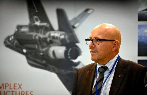 TILFREDS: Terje Bråthen, sjefen på Arsenalet, sier at Kongsberg Gruppen er svært fornøyd med avtalen om å forlenge samarbeidet med Boeing.