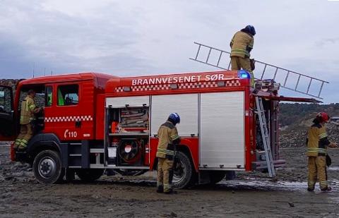 HJULLASTER: I oktober måtte Brann Sør i Lyngdal rykke ut til en brann i en hjullaster på Hausvik. Den er registrert i statistikken under brann i motorredskap og maskiner.