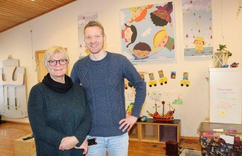 NY START: Styrer Tone Skolt Kristensen i Refsnes barnehage og jobbspesialist Ole Kristian Hagmann fra NAV Moss er gjensidig fornøyde med tiltaket, som gir mennesker en ny jobbsjanse.