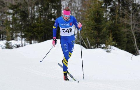 B-motivet   SATSER: Oline Vestad synes det er kjedelig at hun ikke får gå skirenn. Nå går også junior-NM og vinterens store mål fløyten for Vågå-jenta.