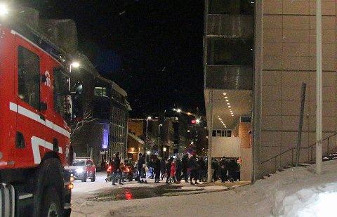 EVAKUERT: Gjestene måtte forlate kinosalene da brannalarmen ble utløst ved 18-tiden søndag kveld.