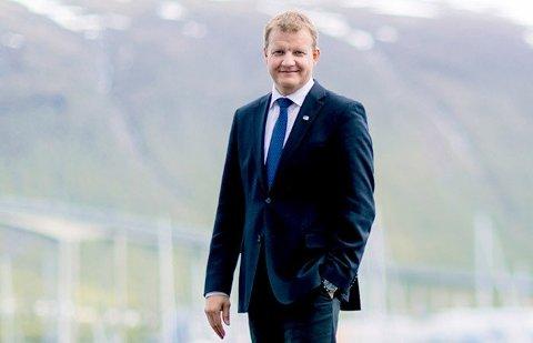 SENTRUMSTILBUD: I godt vær er det ingen utfordring å vandre gjennom sentrum. Men Øyvind Hilmarsen vil ha et kollektivtilbud som gjør det lett også på vinterdager og i balsfjordvind.