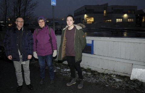 Gir seg ikke: Yngve Brateng Fjeldstad, Anlaug Seljevold og Vetle Brendhagen Kleven i MDG Gjøvik. Foto: Tor Erik Pettersen