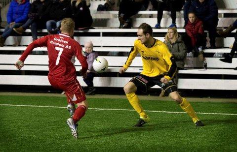 Anton Henningsson sto for en skikkelig perlescoring da han økte Raufoss sin ledelse til 2–0. Svensken har vært blant de gulkleddes beste spillere denne vinteren.