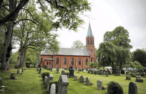 STOR DAG: Høstens siste pulje i Ås kirke konfirmeres nå på lørdag. FOTO: STIG PERSSON