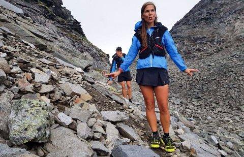 STEINBRA: Innsatsen har vært steinbra fra Janicke Bråthe og hennes to medløpere under løpeprosjektet Tvers over Norge. Nå har de tilbakelagt over 430 kilometer. Selv om det stadig gjenstår 170 km, ser de lyset i enden av løpetunnelen.
