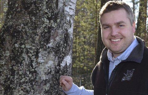 JEGER: Leder i NJFF Hedmark, Knut Arne Gjems, blir i denne kronikken imøtegått av småviltjeger Adolf Larsen. (Foto: Bjørn-Frode Løvlund)