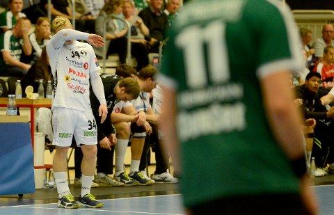 LITE Å JUBLE FOR: Kevin Gulliksen og de andre Elverum-spillerne måtte skuffet se at de var sjanseløse på poeng mot Skjern