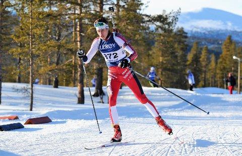 LOVENDE: Emil Hage Streitlien er en av landets mest spennende skiskytterjuniorer. Han fortsetter skiskyttersatsingen på Lillehammer.