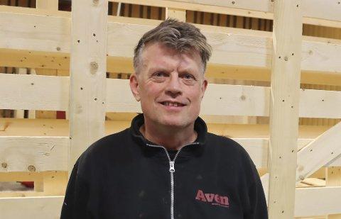 KLAR FOR Å TA NYE TAK: Ole Harald Hansen (59) bærer utvilsomt navnet Mr. Urædd. I en mannsalder har han spilt og vært en del av støtteapparatet rundt A-laget på Kjølnes. Og han er klar for å ta nye tak, bare koronaen slipper taket.