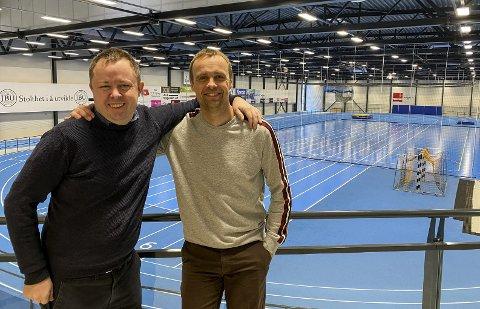 NY HALL: Robin Kåss og Anders Rambekk vil bygge ny friidrettshall på Kjølnes.