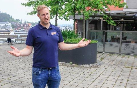 UTSATT: Jimmys-sjef Daniel Christensen utsetter folkefesten på Nordentorget.