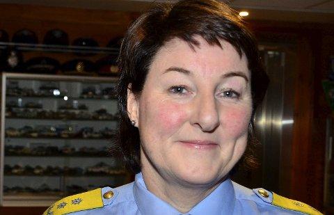 BEDRE: Politimester Tone Vangen lover innbyggerne i Hemnes og Nordland for øvrig enda bedre polititjeneste når nærpolitireformen er kommet skikkelig på plass. Foto: Hugo Charles Hansen